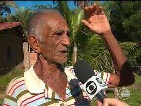 Moradores dos povoados de Altos e Teresina sofrem sem escolas, estradas e energia elétrica - Moradores dos povoados de Altos e Teresina sofrem sem escolas, estradas e energia elétrica