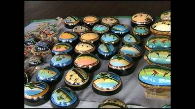 Artistas locais expõem artesanato no Terminal Turístico de Santarém - A exposição segue até a terça-feira (6).
