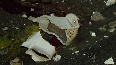 CBF interdita Estádio do Arruda - A Confederação Brasileira de Futebol interditou neste sábado (3), o Estádio do Arruda, no Recife. A decisão foi tomada após um torcedor morrer ao ser atingido por um vaso sanitário que foi arremessado da arquibancada.