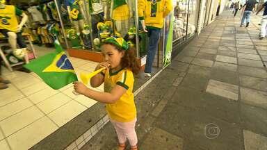 Comércio de Belo Horizonte se prepara para a Copa do Mundo - Em alguns hotéis e hostels, os quartos estão quase todos reservados. Notícia boa para os empresários.
