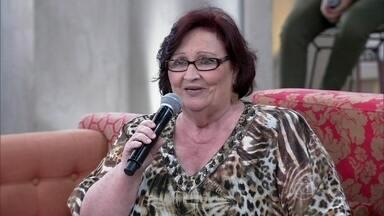 Mãe de Paulo Gustavo conta como lida com a popularidade - Dea Lúcia conta que é uma mãe muito exigente