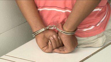 Três adolescentes foram presos suspeitos de participar de assassinato de taxista - Repórter Élbio Carvalho tem as informações.