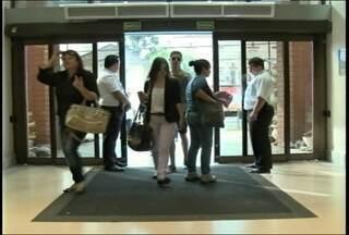 Shopping de Santa Maria (RS) proíbe entrada de menores de idade sem autorização - A medida é para tentar impedir os chamados rolézinhos.