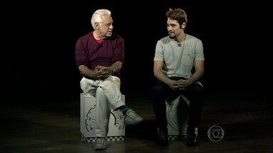 Antônio Fagundes revela como ensinou o filho a dirigir - O ator ressalta que a educação reflete no trânsito. Bruno Fagundes lembra que, no primeiro ano de carta, o motorista ainda fica muito tenso.