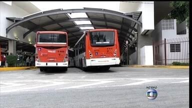 Motoristas e cobradores fazem greve nesta quarta-feira (21), em SP - Passageiros e trabalhadores que dependem do transporte público estão sofrendo com a falta de ônibus na manhã desta quarta-feira (21), em São Paulo.