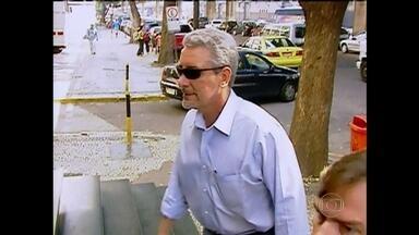 Justiça italiana pode decidir se Pizzolato aguarda processo de extradição em liberdade - A audiência que vai decidir se o ex-diretor do Banco do Brasil poderá aguardar a decisão sobre o processo de extradição em liberdade, acontece nesta quarta-feira (21). Henrique Pizzolato está preso na Itália desde fevereiro de 2014.