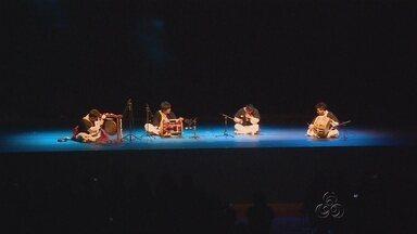 Caravana cultural coreana visita Manaus em comemoração à Copa - Grupo faz apresentações da cultura oriental.