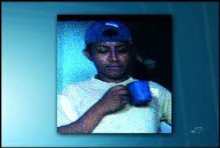 Padeiro é assassinado a facadas em Juazeiro do Norte - Família do jovem de 24 anos acredita que o motivo do crime pode ter sido o preconceito sexual por parte o suspeito.