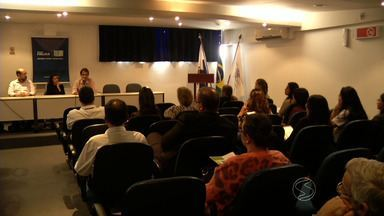 Recolocação no mercado de trabalho é tema de seminário em Volta Redonda, RJ - Objetivo foi mobilizar empresários para contratar mão-de-obra que ficou afastada das antigas funções por licença médica ou porque são deficientes.