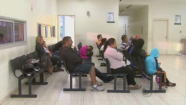Pacientes esperam há três dias por vagas de internação, em Araraquara - Pacientes esperam há três dias por vagas de internação, em Araraquara