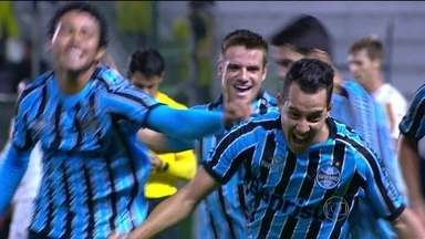 Botafogo perde de virada para o Grêmio pelo Campeonato Brasileiro - Time carioca perdeu por 2 a 1, no Alfredo Jaconi, em Caxias do Sul.
