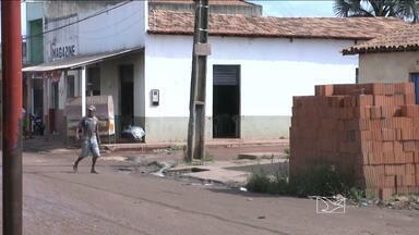 Arrastão provocou tensão e medo entre moradores de um bairro da periferia de Imperatriz - Os bandidos roubaram joias, aparelhos celulares e dinheiro.