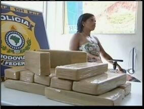 MG Patrulha: Polícia apreende 26 tabletes de maconha no Leste de Minas - Uma mulher e um adolescente transportavam a droga.
