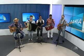 Forrozeiros da Estakazero são os convidados no estúdio do BMD - Grupo relembrou sucessos e convidou os fãs para os novos ensaios; confira.