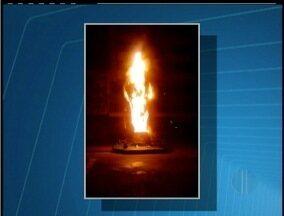 Polícia apreende menor suspeito de colocar fogo em réplica da taça - Taça foi incendiada por um menor esta semana.