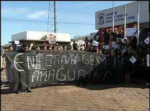 Profissionais da enfermagem do Hospital Regional de Araguaína fazem protesto por salários - Profissionais da enfermagem do Hospital Regional de Araguaína fazem protesto por salários