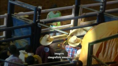 O Ministério Público de Maringá vai investigar denúncia de maus tratos no rodeio - Representantes da sociedade protetora dos animais denunciam agressões que incluiriam até o uso de aparelhos de choque.
