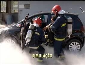 Simulado de acidente com vítimas é realizado em Timóteo - Simulado teve objetivo de orientar empresas sobre normas de seguranças e verificar agilidade no atendimento em caso de emergência.