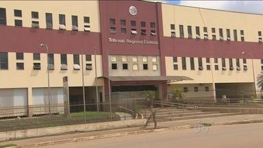 Mais de quatro mil eleitores do Baixo Madeira podem ter o local de votação transferidos - Com a cheia do Rio Madeira várias escolas ficaram com a estrutura comprometida.