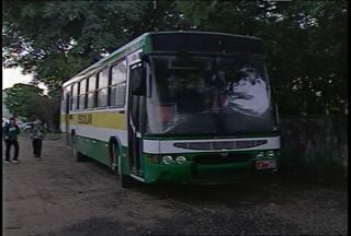 Retomado transporte escolar de estudantes de escolas públicas de Santa Maria (RS) - A volta do serviço foi acertada em uma reunião entre as empresas que fazem o transporte e a Coordenadoria Regional de Educação.