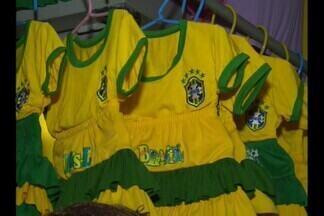 Comércio preparado para a Copa do Mundo em Campina Grande - Uma variedade de acessórios para todos os gostos no comércio da cidade.