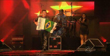 Luan e Forró Estilizado se apresentam em Campina Grande - O show foi um agradecimento pelo apoio dos telespectadores à participação do grupo no SuperStar.