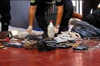 Agentes encontram celulares, maconha e balança dentro de presídio de Rio Verde, Goiás - Secretaria de Administração Penitenciária abriu sindicância para apurar como o material entrou dentro da casa de prisão provisória.