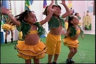 A Copa do Mundo foi tema de um projeto apresentado hoje na Casa da Criança, em Petrolina - As apresentações fazem parte do projeto Copa do Mundo na Casa da Criança, que vem sendo realizado há 3 meses