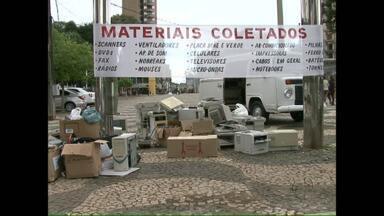 Campanha para coletar lixo eletrônico em Francisco Beltrão - As doações podem ser levadas na Praça Central da cidade.