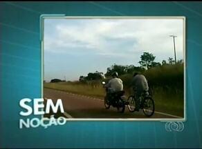 Motociclista é flagrado agarrado na traseira de motocicleta na TO-020 - Motociclista é flagrado agarrado na traseira de motocicleta na TO-020