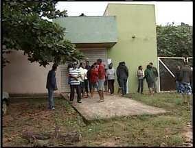 Famílias de Santo Antônio do Pontal reclamam de atendimento do posto de saúde - 75 famílias convivem com problema na região.