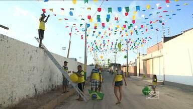Moradores do bairro Bequimão entram no clima da Copa e enfeitam sacadas de prédios - Foto foi enviada para o G1 Maranhão e a gente foi lá conferir a criatividade desses torcedores.