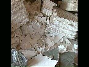 Reaproveitamento de isopor ainda é problema - Em Londrina, uma empresa recicla isopor descartado por construtoras da cidade. O problema é com embalagens de carnes e outros produtos alimentícios, que acabam indo para o CTR, como rejeitos.