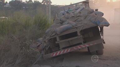 Colisão entre caminhões atrapalha trânsito na BR-101 Norte - Não houve feridos e o tráfego foi liberado no inicio da manhã.