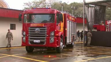 Corpo de bombeiros de Foz do Iguaçu vai ganhar um novo quartel - A ordem de serviço foi assinada hoje pelo governador Beto Richa.