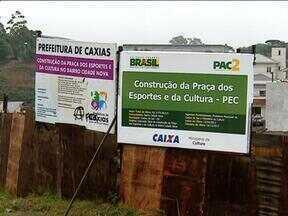 Ministério do Trabalho interdita construção de praça em Caxias do Sul, RS - Segundo MTE, funcionários não tinham itens de segurança.