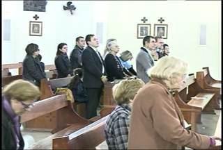Missa em Santa Maria (RS) homenageia o menino Bernardo - O assassinato do menino completou dois meses.