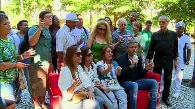 Povão opina sobre a briga de Luiza e Helena de 'Em Família' - Veja o Sofá Show com Otaviano Costa