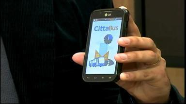 Aplicativo gratuito informa horário dos ônibus - Versão para deficientes visuais será lançada no segundo semestre de 2014.