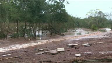 Chuva afeta abastecimento em Cascavel - Veja também: Em Irati, 2.000 famílias são afetadas pela enchente