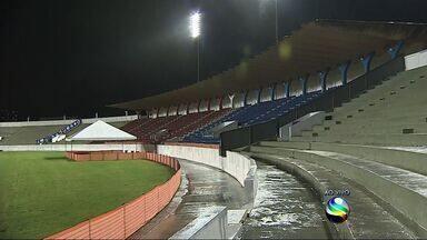 A cinco dias da estreia na Copa do Mundo, Grécia realiza segundo treinamento em Aracaju - Gregos treinam no Estádio Lourival Batista de olho na estreia na Copa do Mundo 2014, contra Colômbia