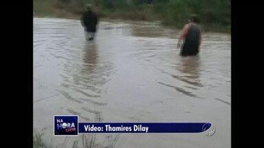 Telespectadores enviam fotos com as enchentes na região - Em Mallet, todas as aulas foram suspensas por conta da chuva e da falta de água potável