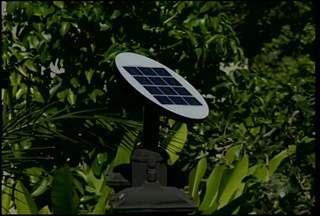 Energia solar é uma da alternativas usadas para economizar - Apesar o investimento, o uso da energia solar ajuda a preservar o meio ambiente.
