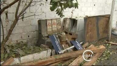 Bomba explode em prédio da Prefeitura de Taubaté, SP - Caso foi ocorreu nesta terça-feira (10) no prédio de Serviços Públicos. Segundo a prefeitura, esta é a 8ª vez que o local é alvo de vandalismo.