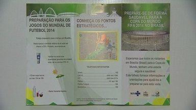 Secretaria de Saúde vai distribuir folhetos para orientar turistas - A Secretaria de Saúde vai distribuir folhetos para orientar turistas sobre atendimento médico em caso de emergências.
