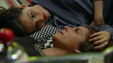 Em Família - Capítulo de terça-feira, dia 10/06/2014, na íntegra - Marina tenta seduzir Clara
