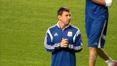 Seleção da Argentina treina no Independência, em Belo Horizonte - Time levou milhares de torcedores e admiradores ao bairro do Horto.