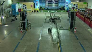 Grandes estrelas da música animam a torcida no Fan Fest de BH - Estação fica no Expominas e recebe mineiros para assistir aos jogos da Copa do Mundo. No local, foram instalados telões, e artistas farão shows. A entrada é gratuita.