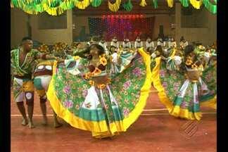 Foi realizado em Altamira o 12º festival folclórico do município - Mais de 500 pessoas e 10 grupos folclóricos participaram das apresentações no ginásio da cidade.