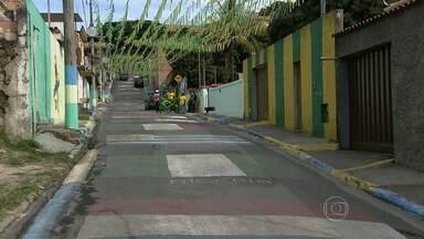 Cidades da Região Metropolitana de Belo Horizonte se enfeitam de verde e amarelo - Em diversas cidades, calçadas foram pintadas e moradores torcem juntos pela vitória da seleção brasileira.